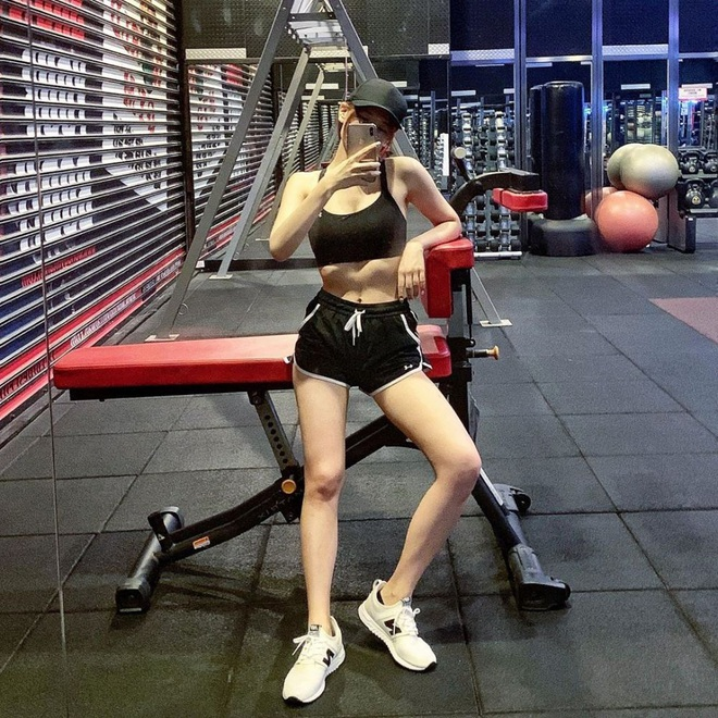 Nữ Youtuber Đài Loan chia sẻ bí quyết giảm 10kg chỉ trong 1 năm, kéo lại body với cơ bụng số 11 chuẩn chỉnh - ảnh 11