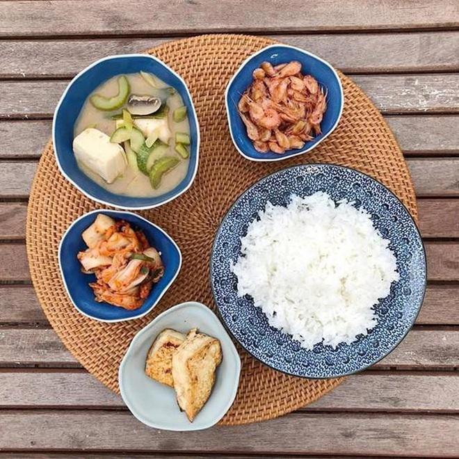 Hà Tăng tiết lộ niềm vui đơn giản dưới mái nhà hào môn, nhìn bàn ăn là hiểu tại sao hôn nhân viên mãn hơn 1 thập kỷ - Ảnh 4.