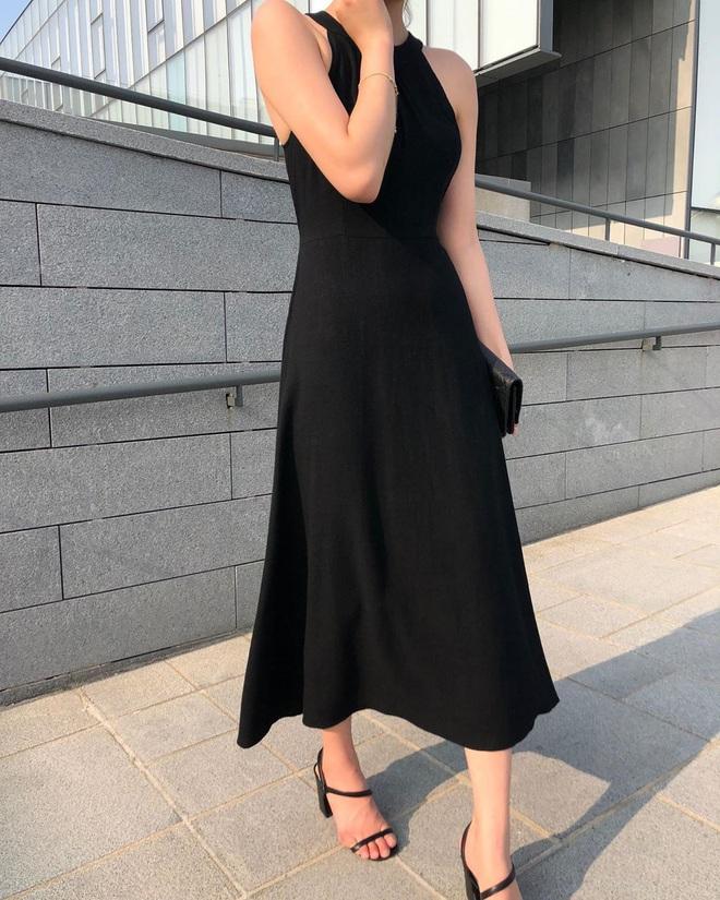 Hè diện váy yểu điệu mà kết hợp 4 kiểu giày dép sau thì style của bạn sẽ được nhân đôi điểm xịn sò - ảnh 15
