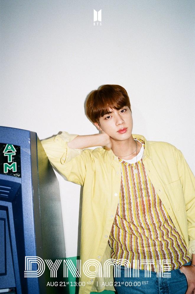 """BTS cực """"soái"""" trong bộ ảnh teaser đầu tiên trước thềm comeback, nhưng fan… """"giận tím người"""" vì bị RM """"bẻ lái"""" với màu tóc đến 3 lần! - ảnh 6"""