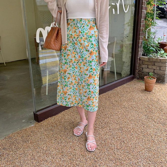 Hè diện váy yểu điệu mà kết hợp 4 kiểu giày dép sau thì style của bạn sẽ được nhân đôi điểm xịn sò - ảnh 4