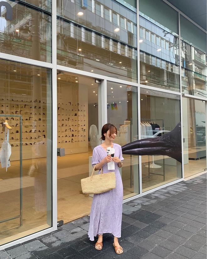 Hè diện váy yểu điệu mà kết hợp 4 kiểu giày dép sau thì style của bạn sẽ được nhân đôi điểm xịn sò - ảnh 3