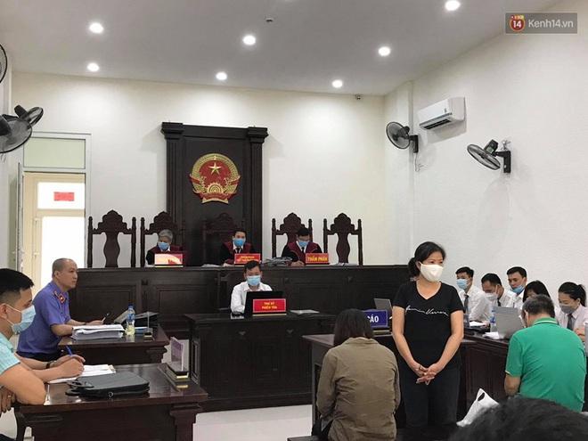 Xử phúc thẩm vụ học sinh trường Gateway tử vong trên xe đưa đón: Bị cáo Nguyễn Bích Quy và Doãn Quý Phiến quay lại xin lỗi gia đình bị hại - Ảnh 12.
