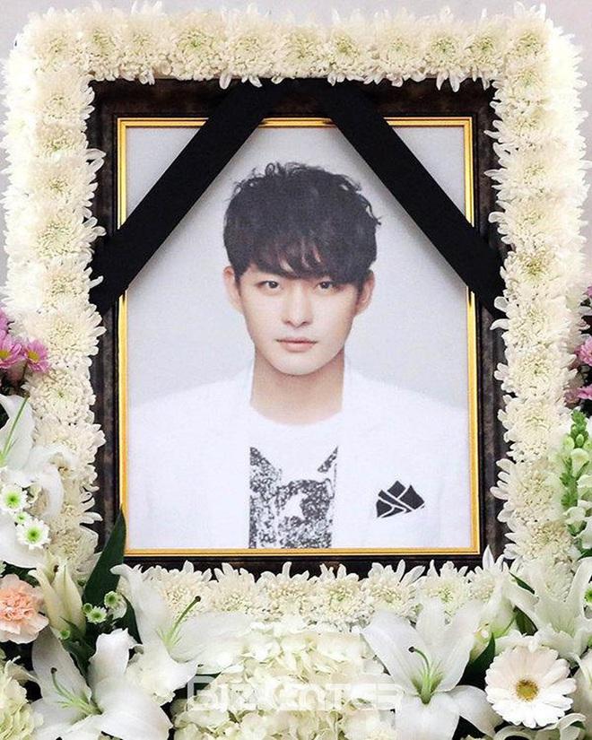 Lời nguyền 10 năm bủa vây dàn sao nam Sungkyunkwan Scandal: Hết bê bối chấn động đến tự tử, Song Joong Ki ồn ào nhất - ảnh 21