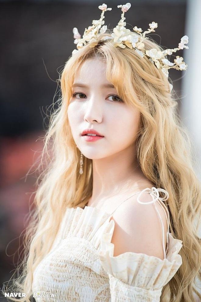 13 idol Kpop đủ tố chất thành Hoa hậu Hàn Quốc: Giữa dàn nữ thần BLACKPINK, SNSD xuất hiện đàn chị gạo cội - Ảnh 24.