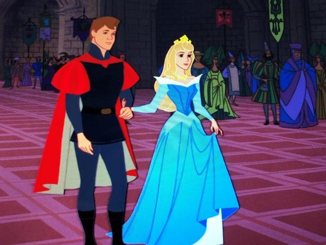 5 sự thật đen tối về hoạt hình Disney: Nghe công chúa ngủ trong rừng bị cưỡng bức mà lạc mất tuổi thơ - ảnh 5