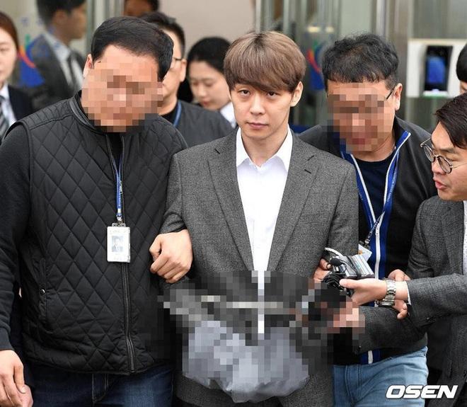 Lời nguyền 10 năm bủa vây dàn sao nam Sungkyunkwan Scandal: Hết bê bối chấn động đến tự tử, Song Joong Ki ồn ào nhất - ảnh 5