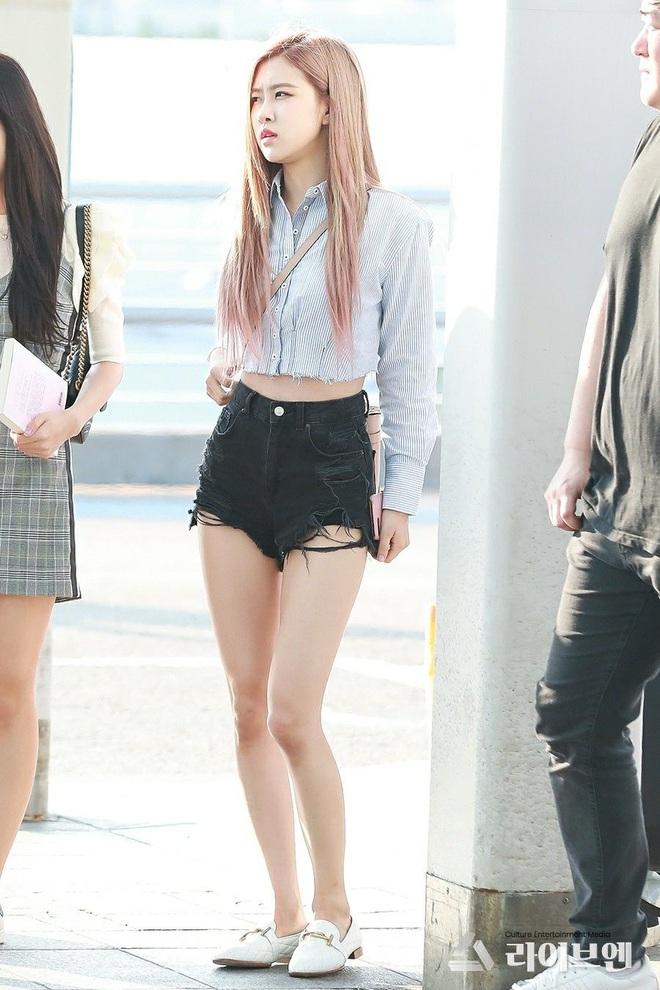 Không có cặp giò đẹp xuất sắc như Lisa nhưng bộ 3 Jisoo, Jennie và Rosé vẫn chinh phục đủ thể loại đồ ngắn cũn - ảnh 19