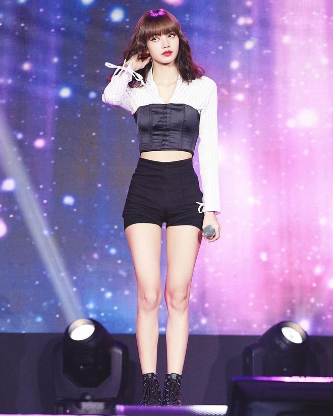 Không có cặp giò đẹp xuất sắc như Lisa nhưng bộ 3 Jisoo, Jennie và Rosé vẫn chinh phục đủ thể loại đồ ngắn cũn - ảnh 1