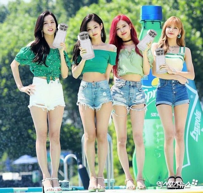 Không có cặp giò đẹp xuất sắc như Lisa nhưng bộ 3 Jisoo, Jennie và Rosé vẫn chinh phục đủ thể loại đồ ngắn cũn - ảnh 5