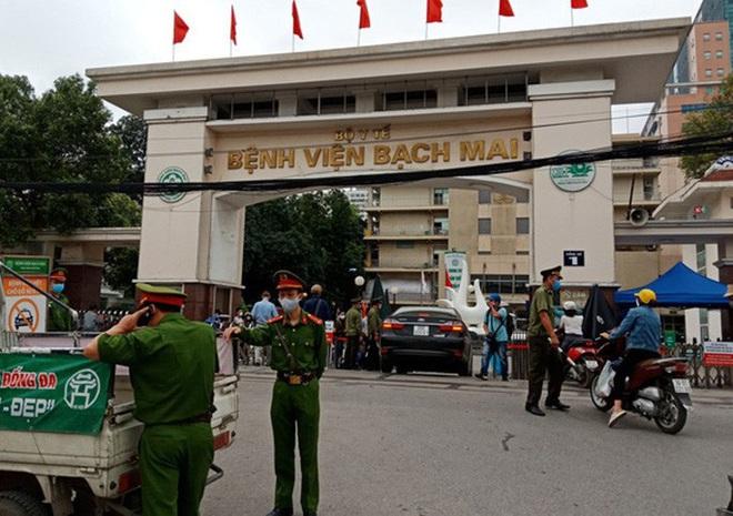 Dịch Covid-19 ngày 12/8: Thêm 14 ca nhiễm tại Hà Nội và Đà Nẵng; Quảng Nam dừng hoạt động giải trí, xe khách liên tỉnh từ 0h đêm nay - Ảnh 1.
