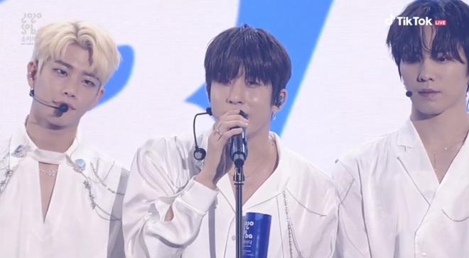 BTS giật giải Daesang duy nhất của Soribada Awards dù không tham dự; TWICE, Red Velvet và Kang Daniel chia đều các giải quan trọng còn lại - ảnh 15