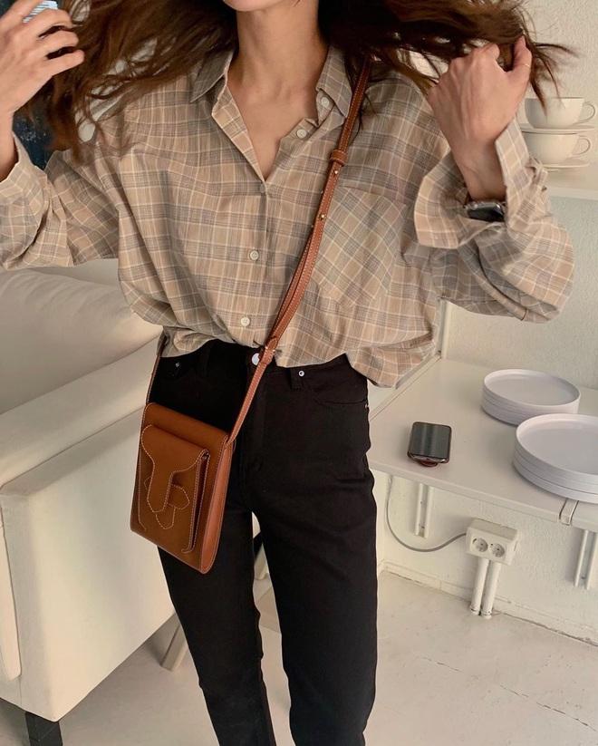 6 items khiến outfit của bạn sang xịn hơn tức thì, trong đó có 3 món màu nâu cực kỳ lợi hại - ảnh 23