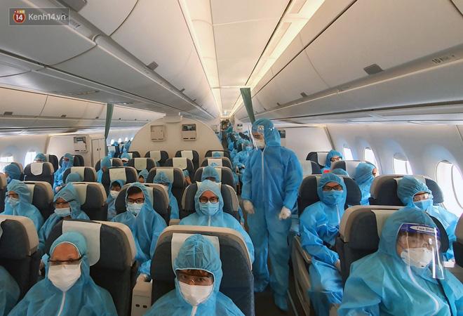 Chuyến bay đầu tiên chở du khách từ Đà Nẵng về TP. Hồ Chí Minh - ảnh 5