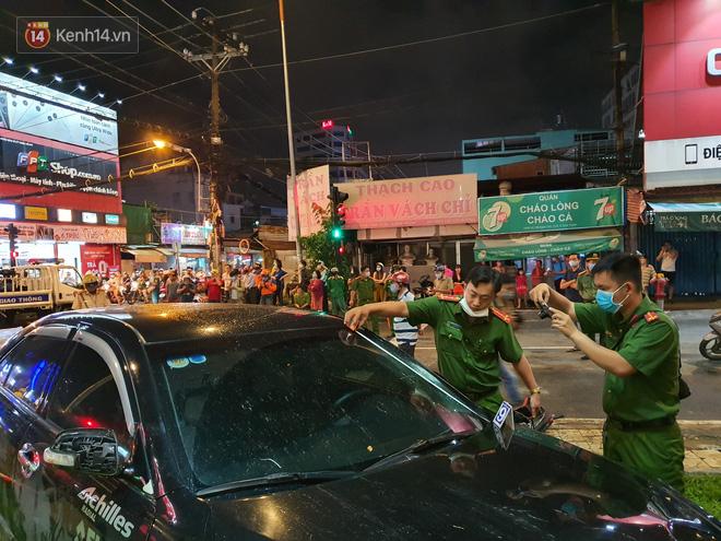 Nhân chứng kể lại giây phút kinh hoàng xe Camry tông hàng loạt xe máy ở Sài Gòn: Người bị thương nằm la liệt, chảy máu nhiều lắm - ảnh 12