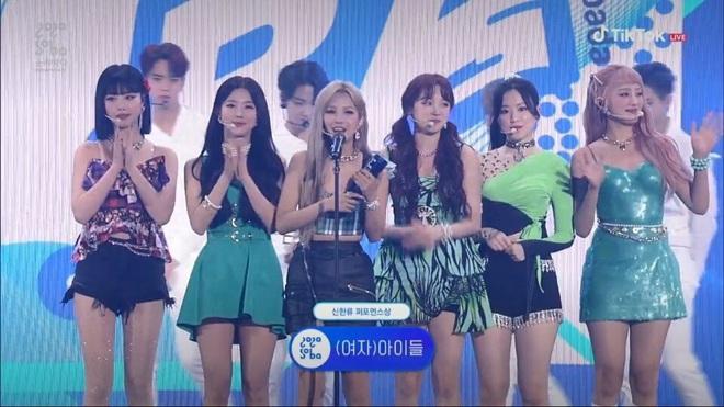 BTS giật giải Daesang duy nhất của Soribada Awards dù không tham dự; TWICE, Red Velvet và Kang Daniel chia đều các giải quan trọng còn lại - ảnh 16