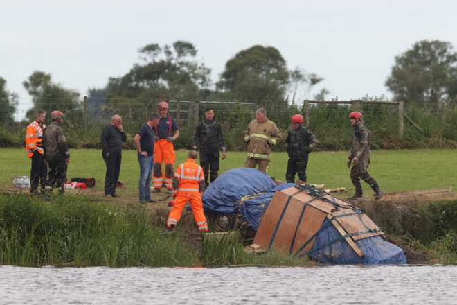 Thi thể của người đàn ông mất tích cách đây 29 năm được tìm thấy trong xe ô tô chìm sâu dưới đáy sông - ảnh 2