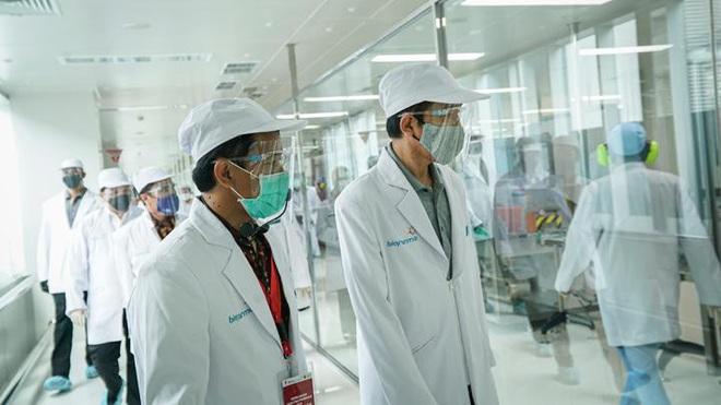 Indonesia đặt mục tiêu tiêm vaccine Covid-19 cho toàn dân đầu năm 2021 - ảnh 1