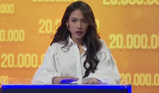 Bất ngờ về sự nhanh trí, thông minh của Cara Phương trên show truyền hình - ảnh 1
