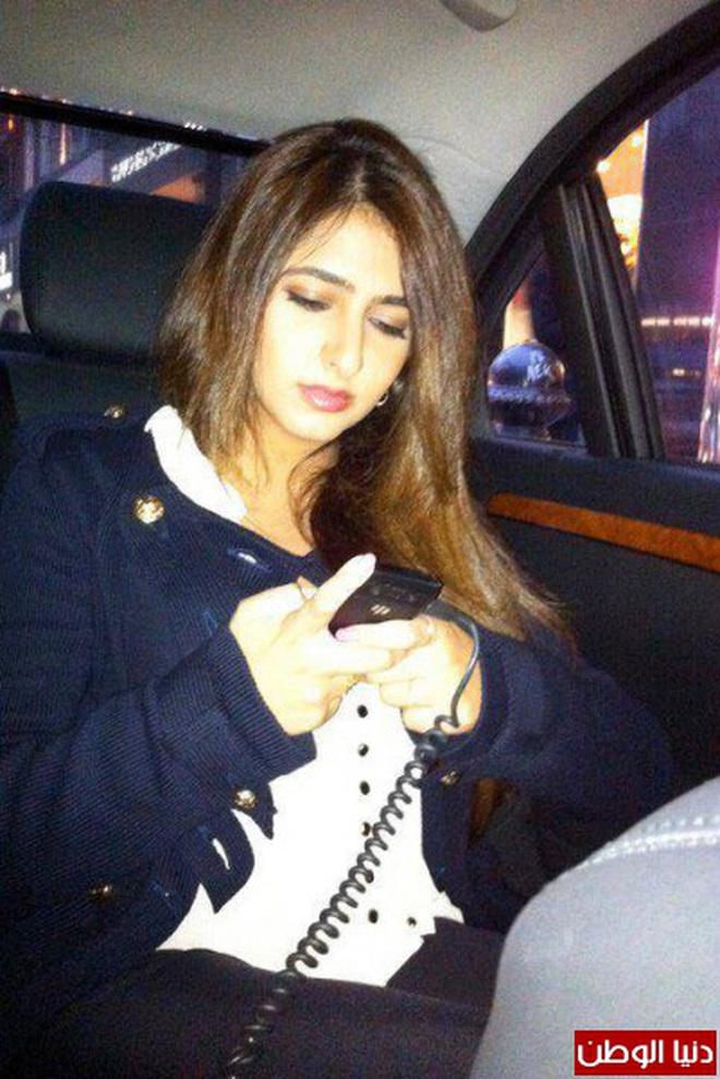 Nàng công chúa Dubai từng gây bão cộng đồng mạng bởi vẻ ngoài đẹp như thiên thần giờ đã trưởng thành với ngoại hình sáng chói - ảnh 6