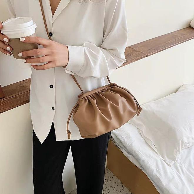 6 items khiến outfit của bạn sang xịn hơn tức thì, trong đó có 3 món màu nâu cực kỳ lợi hại - ảnh 25