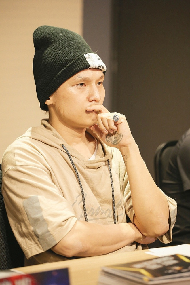 Binz từng đụng chạm Sơn Tùng M-TP, Rhymastic tung loạt track nhắm thẳng B Ray nhưng không gắt bằng Karik rap diss cả showbiz Việt - ảnh 8
