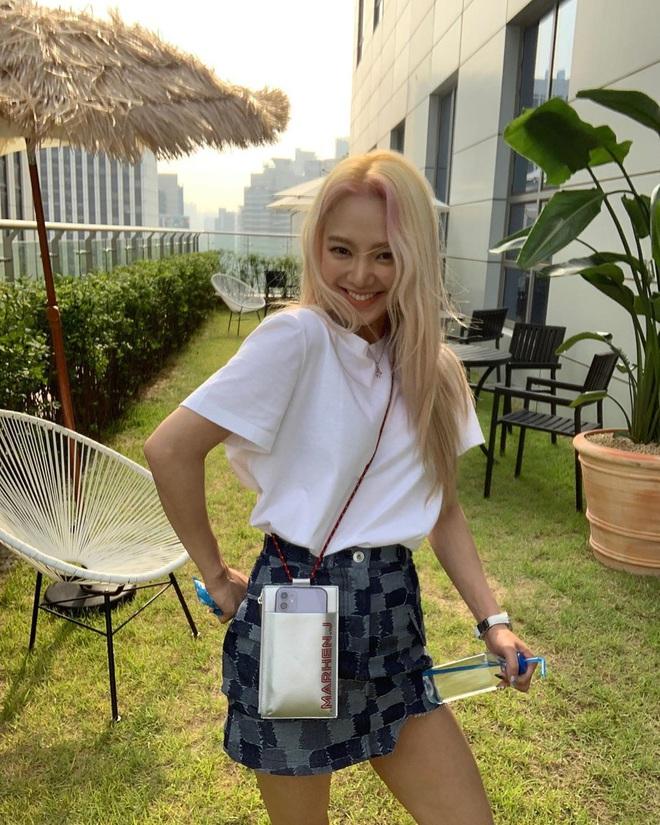 Sao Hàn có 10 cách diện áo phông trắng xinh nức nở, bạn cứ học theo là style chẳng bao giờ bị chê nhạt - ảnh 8