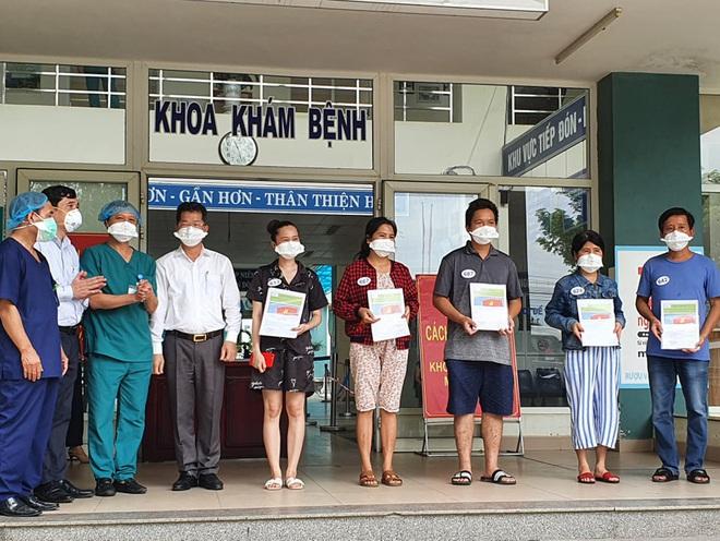 Thêm 5 bệnh nhân Covid-19 ở Đà Nẵng khỏi bệnh, được xuất viện - ảnh 1