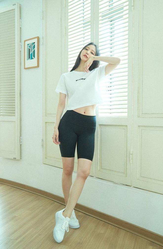 Sao Hàn có 10 cách diện áo phông trắng xinh nức nở, bạn cứ học theo là style chẳng bao giờ bị chê nhạt - ảnh 9