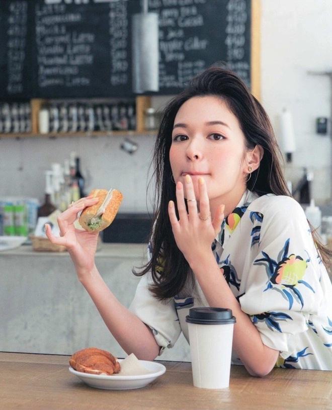 5 loại thực phẩm thuộc danh sách đen, đừng nên ăn chúng khi bụng đói nếu không sẽ gây viêm loét, thủng dạ dày - ảnh 1