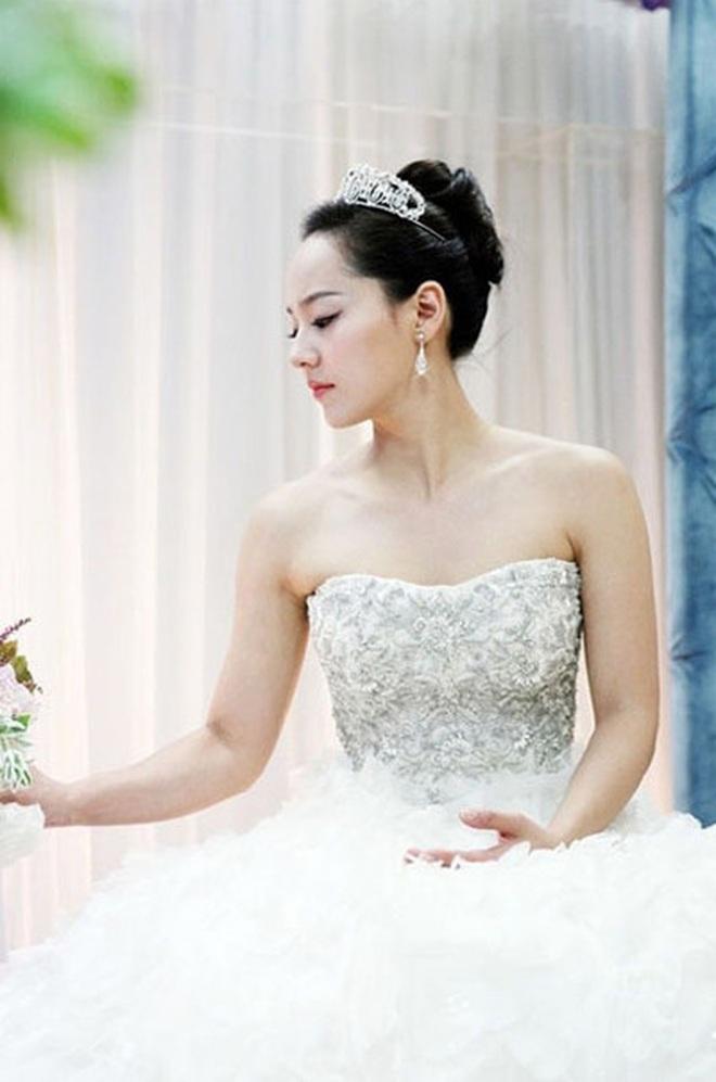 """Đào lại váy cưới của dàn mỹ nhân huyền thoại, dân Hàn mới thấy """"trùm cuối"""" là Kim Ha Neul chứ không phải Han Ga In hay Jeon Ji Hyun - Ảnh 2."""