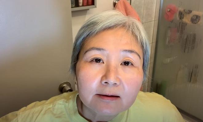 60 tuổi da vẫn căng mịn không nếp nhăn: Cụ bà bật mí tuýp kem tin tưởng suốt 6 năm qua, chia sẻ công thức 1:1 đáng học hỏi - ảnh 1