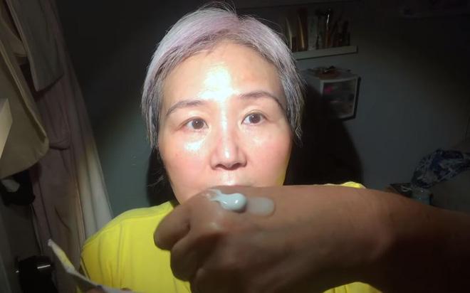 60 tuổi da vẫn căng mịn không nếp nhăn: Cụ bà bật mí tuýp kem tin tưởng suốt 6 năm qua, chia sẻ công thức 1:1 đáng học hỏi - ảnh 7