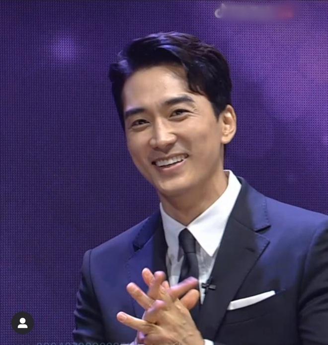 Fanmeeting 5 tài tử Hàn quyền lực gây nổ MXH: Hé lộ nhan sắc thật, Lee Dong Wook như thánh sống, Kim Bum lộ khuyết điểm - ảnh 4