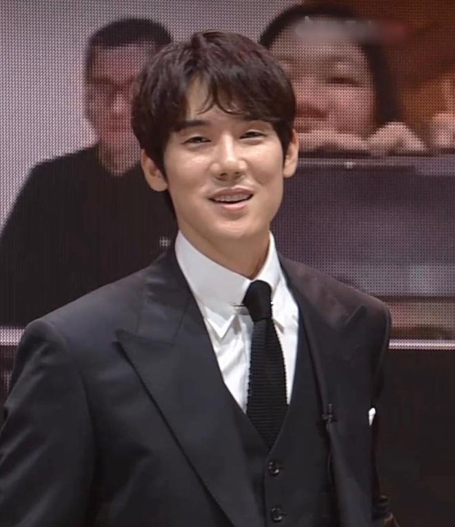 Fanmeeting 5 tài tử Hàn quyền lực gây nổ MXH: Hé lộ nhan sắc thật, Lee Dong Wook như thánh sống, Kim Bum lộ khuyết điểm - ảnh 15
