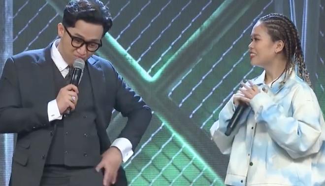 Clip: Nữ rapper đầu tiên của Rap Việt giới thiệu cực ngầu, tên một đằng nhưng đăng ký một nẻo vì... thích thế - ảnh 2