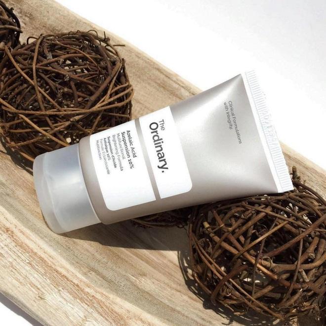 5 kem dưỡng da mụn dùng vô tư không lo bít lỗ chân lông, còn làm da căng khỏe thích mê - Ảnh 1.