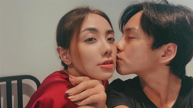 MC Miko Lan Trinh công khai chân dung người yêu chuyển giới, kể chuyện bị chỉ trích chỉ vì để nửa kia thắt dây giày hộ - Ảnh 8.