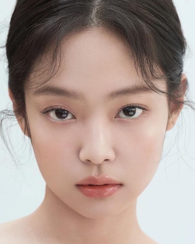 Jennie (BLACKPINK) là idol hiếm hoi hoá từ sexy sang ngây thơ trong nháy mắt, chuyên gia phân tích 4 lý do khiến fan gật gù - Ảnh 9.
