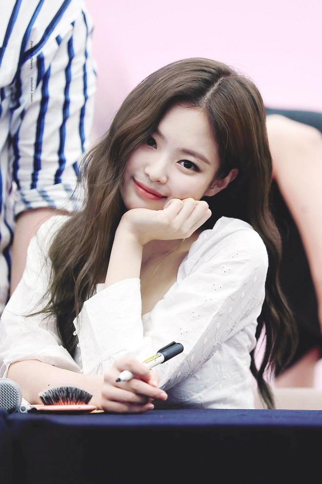 Jennie (BLACKPINK) là idol hiếm hoi hoá từ sexy sang ngây thơ trong nháy mắt, chuyên gia phân tích 4 lý do khiến fan gật gù - Ảnh 2.