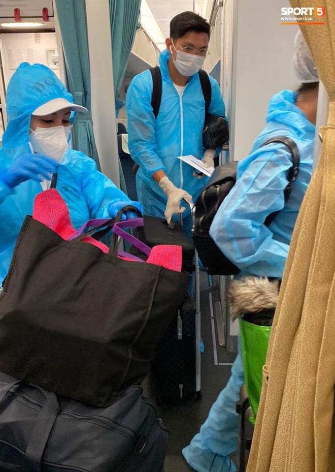 Đoàn Văn Hậu đã có mặt tại Việt Nam, thực hiện cách ly ngay khi nhập cảnh - ảnh 3