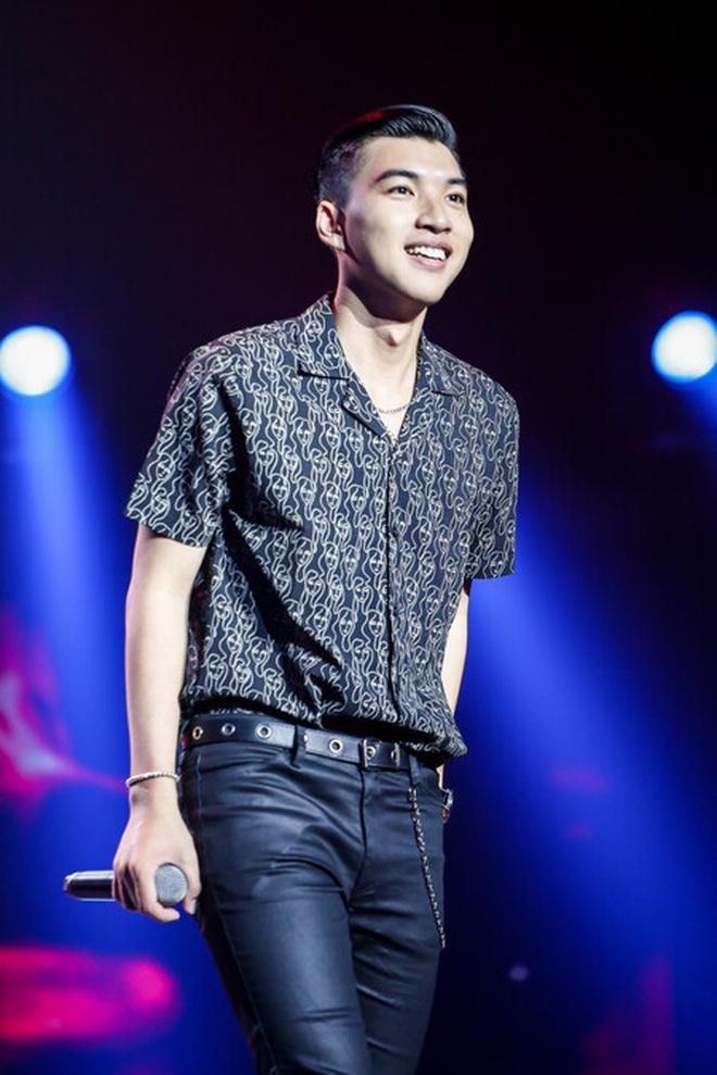 Truy ngay nam rapper điển trai của King Of Rap: Ngoại hình giống Quang Đại, giọng rap như Đen Vâu, còn có 2 ca khúc đang viral khắp nơi - ảnh 2