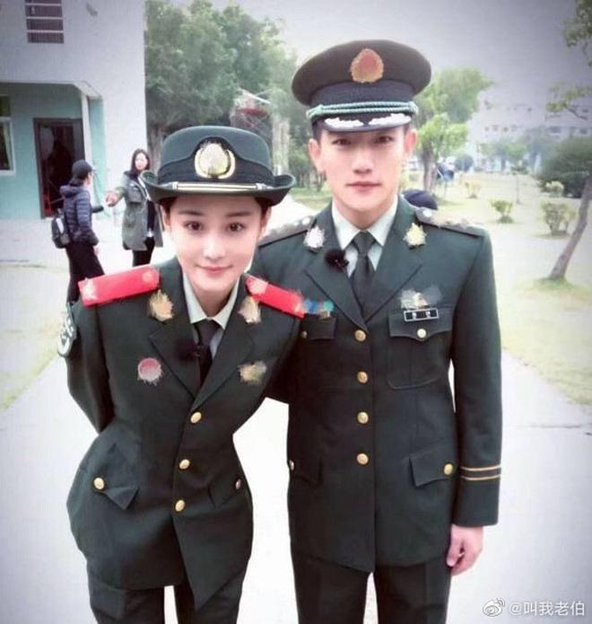 Khi Phạm Băng Băng than thở thất tình, đối thủ 1 thời Trương Hinh Dư khoe 2 năm ngày cưới cực ngọt với ông xã - ảnh 6