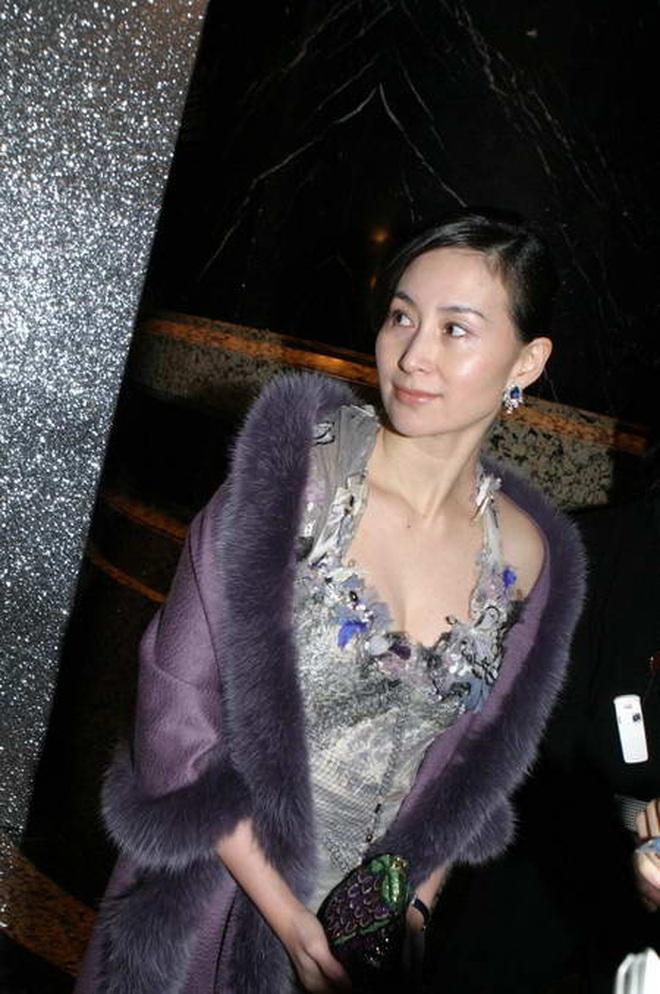 Chiêm ngưỡng loạt ảnh kiều diễm từ bé đến lớn của ái nữ mệnh phú quý Vua sòng bài Macau: Thuở thiếu nữ đẹp không khác mỹ nhân TVB - ảnh 16