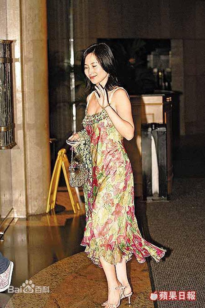 Chiêm ngưỡng loạt ảnh kiều diễm từ bé đến lớn của ái nữ mệnh phú quý Vua sòng bài Macau: Thuở thiếu nữ đẹp không khác mỹ nhân TVB - ảnh 10