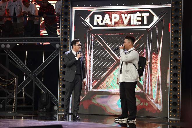 Bé bự một tạ mốt Yuno Bigboi gây sốt ở Rap Việt bày tỏ đã từng nản lòng với Rap, tiết lộ kỳ phùng địch thủ - ảnh 1