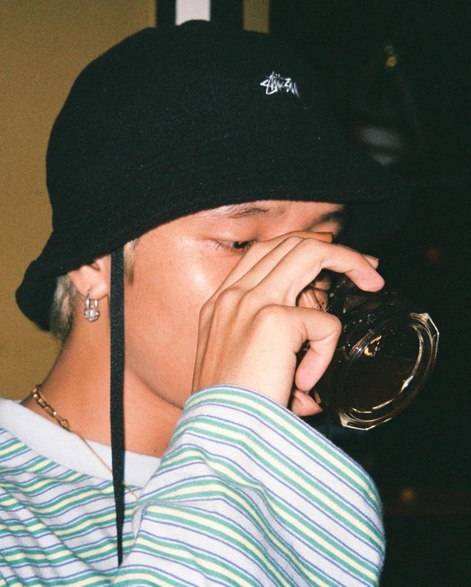 Hot boy Rap Việt 16 Typh: Visual đỉnh khiến Karik phải mê mẩn, diện đến 1001 kiểu tóc đều hợp không phải bàn - Ảnh 4.