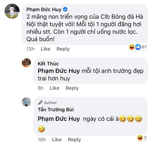 Đức Huy cà khịa hai đàn anh lớn tuổi nhất Hà Nội FC vì đăng nhiều status và chỉ biết uống nước lọc - ảnh 2