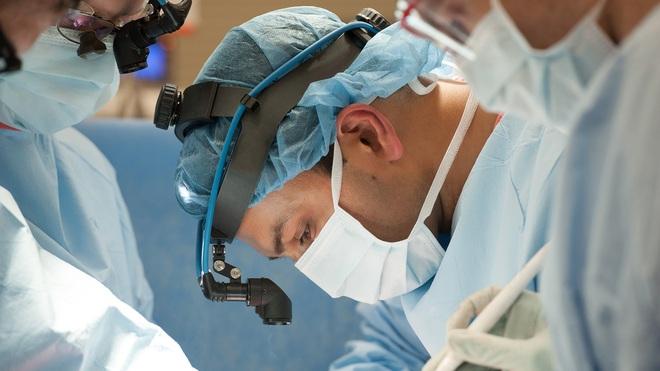 Đó là cơn ác mộng dài đến đáng sợ: Trải lòng của bệnh nhân Covid-19 đầu tiên được ghép phổi tại Mỹ sau khi trở về từ cõi chết - ảnh 3