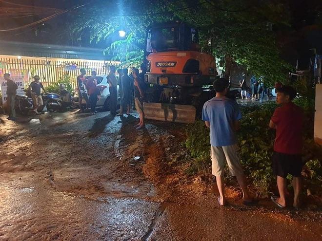 Sạt lở kè đất ở Quảng Ninh khiến 1 người tử vong tại chỗ - ảnh 1